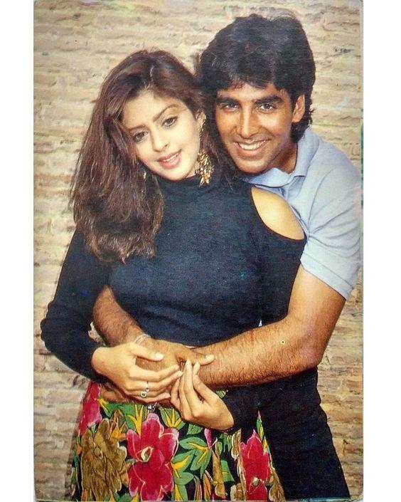 Nagma with Akshay Kumar