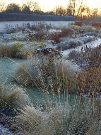 Wiltshire Garden - Tom Stuart-Smith