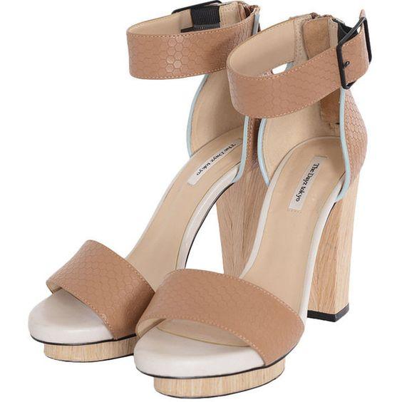 ウッドヒールサンダル ❤ liked on Polyvore featuring accessories and shoes