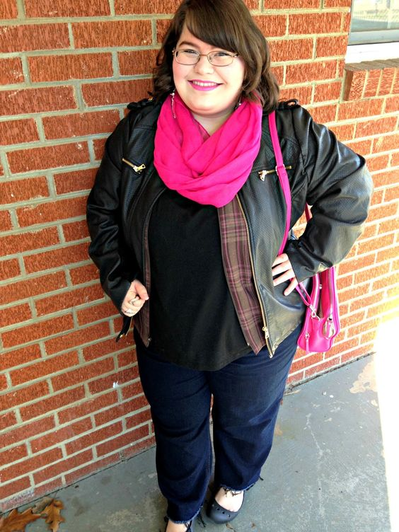 Unique Geek: Plus Size OOTD: Pink, Please #plussize #plussizefashion #ootd #plussizeootd #plussizeblogger #pink #leatherjacket: