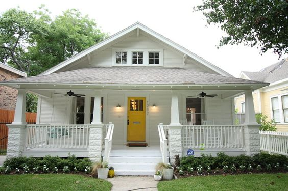 Traditional exterior 1920 craftsman rehab in houston for Craftsman home builders houston