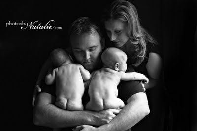 twins @Emily Heasley Sawyer - I can picture this pose with P & S (one boy on either side) ... a beautiful shot!