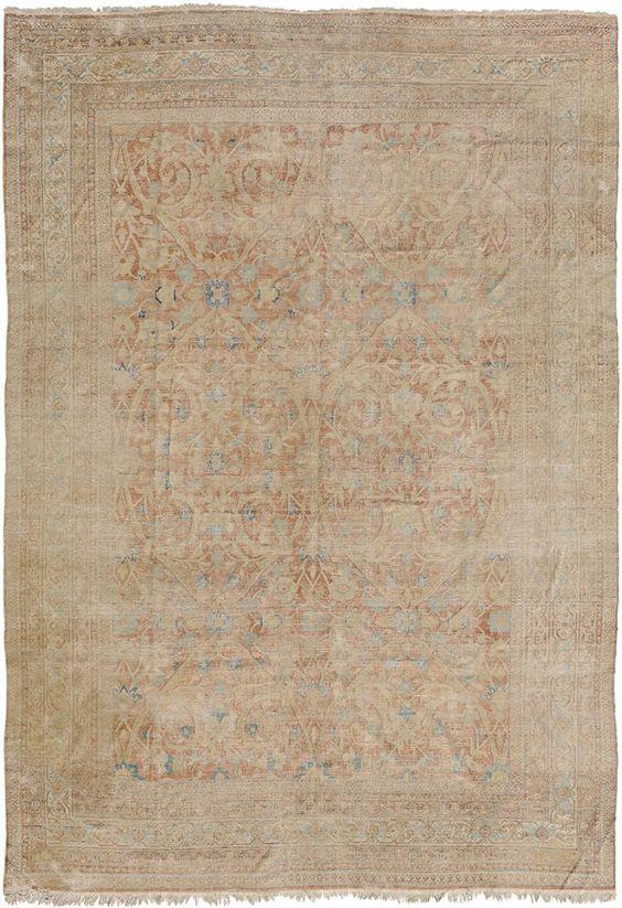 Dorokhsh O-Iran, um 1900. Pastellfarbener Teppich. Im   320x445 cm (ft. 10.6x14.7). STARTING BID: