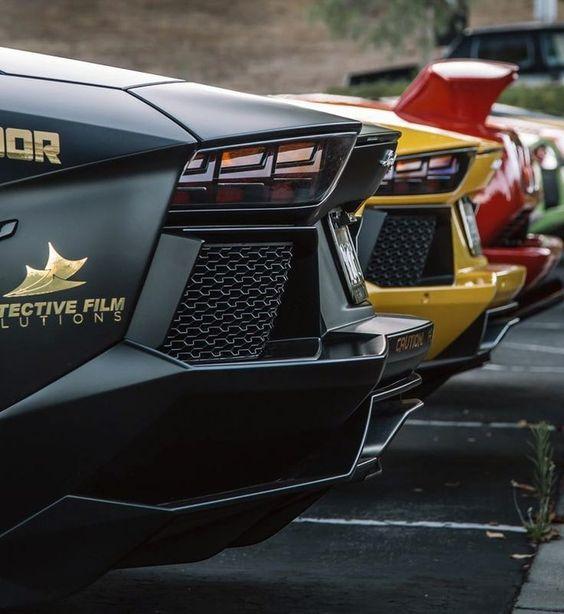 Great shot...Lamborghini Bat-Aven  #lamborghiniaventador #lamborghiniaventadorsv #lamborghiniaventadorroadster #lamborghiniaventadorlp700 #redlamborghiniaventador #LamborghiniAventadors #lamborghiniaventadorlp7004