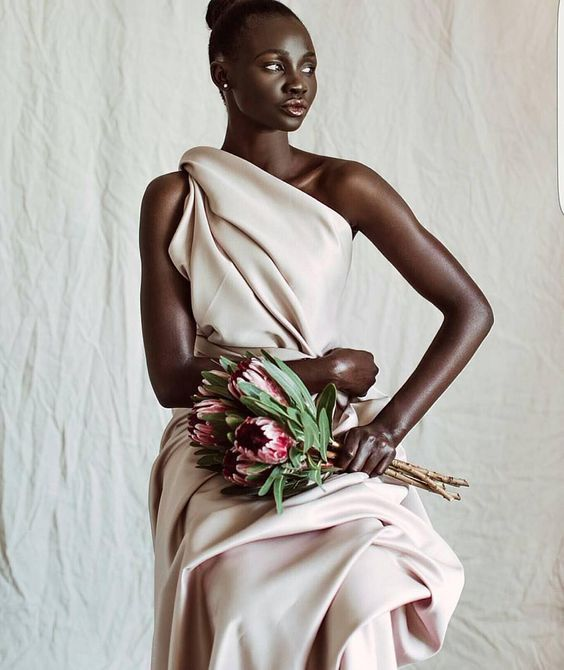 Melanin magic // #munafashion | #Repost @afroellemag @beingupile Model: @nyamuoch_bol Spotted via @thepanafrican: