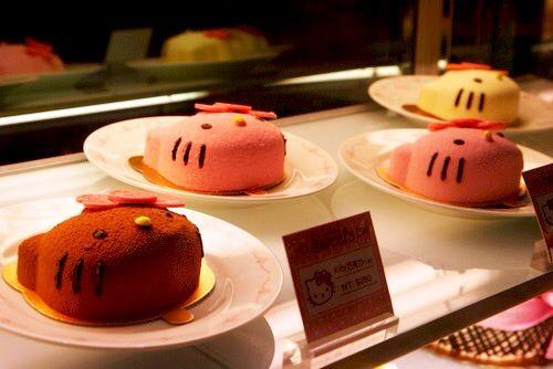 Hello Kitty Face Cakes..Cute!!