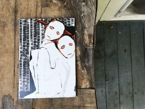 Petite affiche décorative de style art brut, outsider.  Dessinée et estampée…