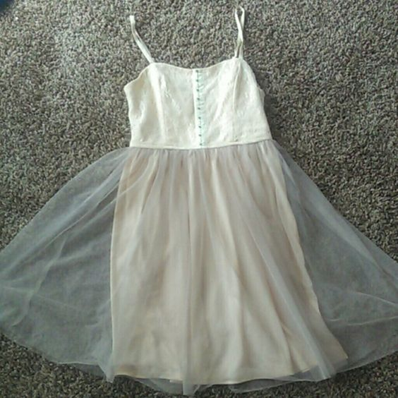 Beautiful Tulle Dress Good condition. Size M. Xhilaration Dresses
