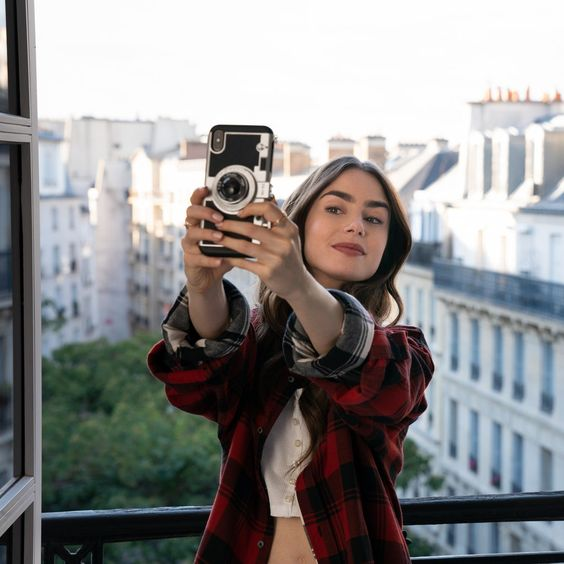 'Emily in Paris' on Netflix Is Dividing the Internet | Glamour