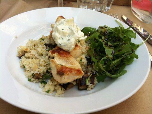 Michel's bistrot brasserie à Bordeaux: un petit bistro avec une super ambiance terrasse en été, à refaire aux beaux jours!