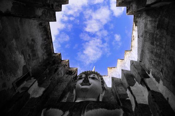 My blue sky by Jumrus Leartcharoenyong