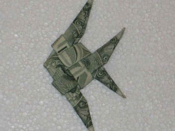Dollar origami origami and fish on pinterest for Dollar bill origami fish