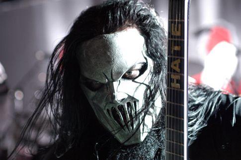 Canadauence TV: Guitarrista do Slipknot é esfaqueado na cabeça, di...