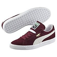 The Suede Classic + is the most well-known and popular of all PUMA shoes. A rich classical suede upper on top of the famous narrow suede tooling.