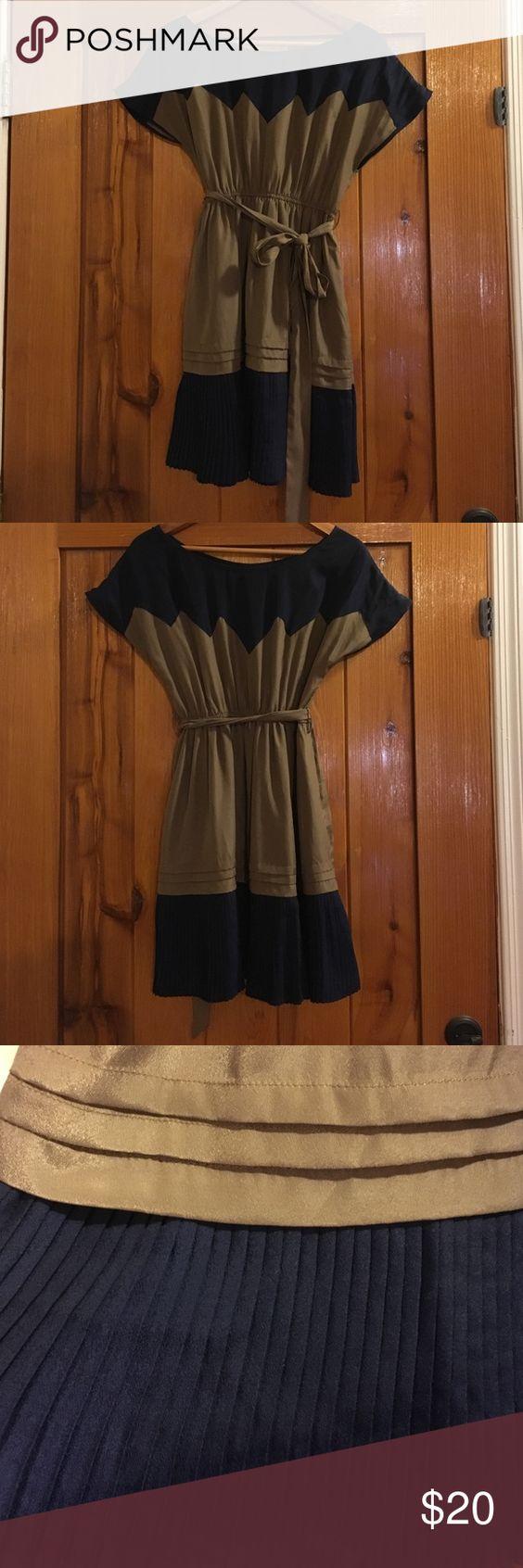 Double Zero Pleated Dress Pleated dress with belt! Great condition! Double Zero Dresses Mini