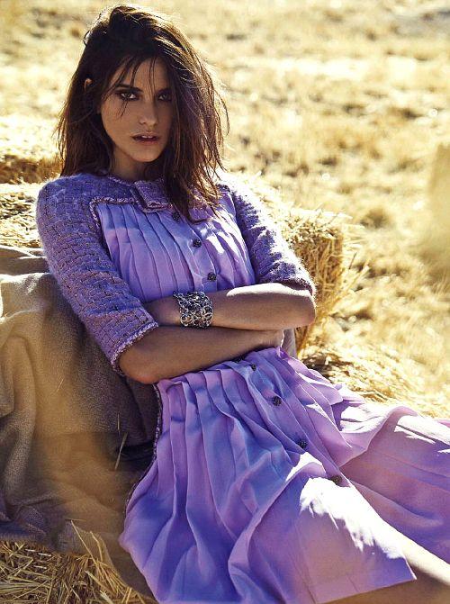 she-loves-fashion:  Alejandra Alonso by Mario Sierra for Elle...