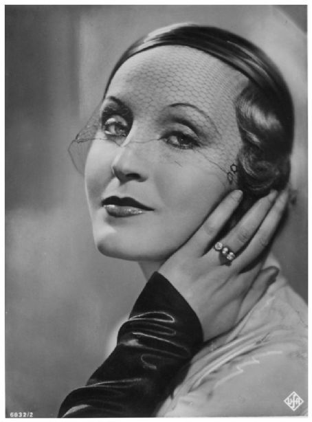 Brigitte Helm| 1906-1966 | a German actress, best remembered for her dual role as Maria and her double, the Maschinenmensch, in Fritz Lang's 1927 silent film Metropolis: