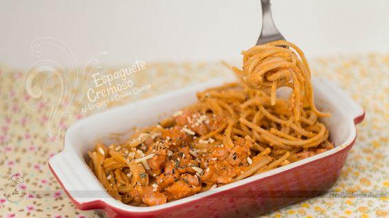 espaguete cremoso com linguiça e cream cheese