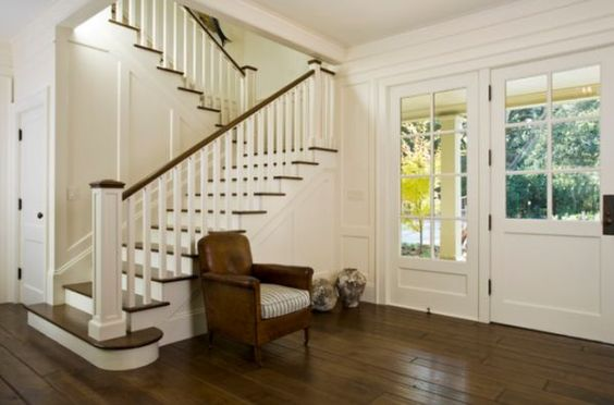 Google Image Result for http://cdn.homedit.com/wp-content/uploads/2012/11/traditional-staircase-entryway.jpg