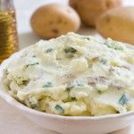 Mashed Potatoes with Sour Cream and Chives by EclecticRecipes.com #recipe