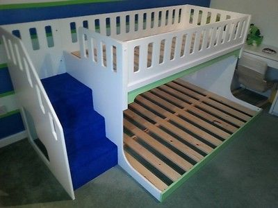 Triple-Sleeper-Bunk-Bed-with-stairs