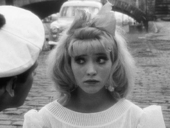 Anna Karina in Les fiancés du pont Mac Donald ou (Méfiez-vous des lunettes noires) Agnès Varda, 1961