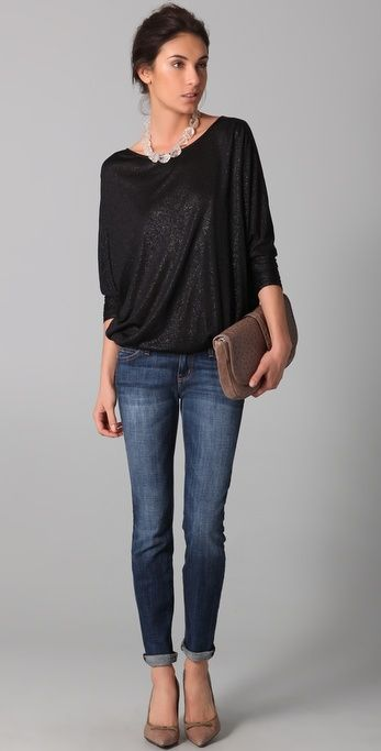 love the top with skinny jeans and heels