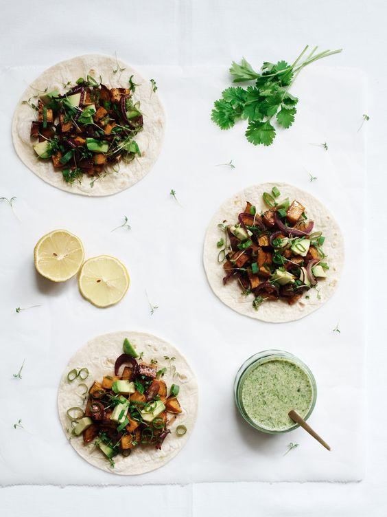 Zoete Aardappel Tacos met Miso & Koriander/Kokossaus | www.88food.nl