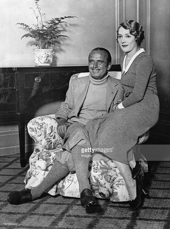 The actors Mary Pickford and Douglas Fairbanks sen. in their hotel ...                                                                                                                                                                                 More