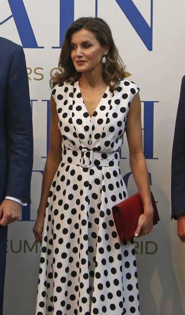 La reina Letizia y su estreno cordobés: un diseño de lunares y nueva firma en su vestidor - Foto 3