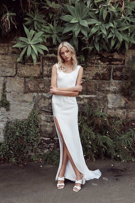7 Bridal Fashion Trends and What Venue They Look Best In (2021-2022) 12