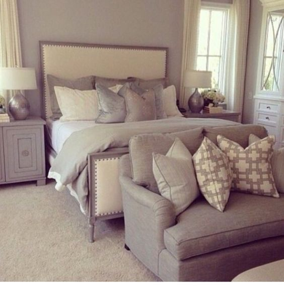 Pillow arrangement small sofa and benches on pinterest for Couch and loveseat arrangement ideas