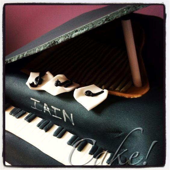 Baby Grand Piano Cake!