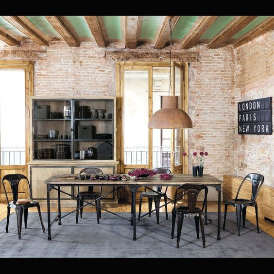 Industriel diners and tables on pinterest for Salle a manger industrielle