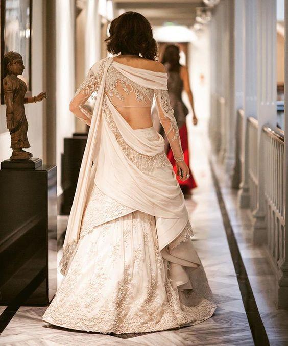 Extraordinary Bridal Lehenga Styles for your Exclusive Modern Wedding, 1d6f3494aca3ebdd799a2dfe83cab51c