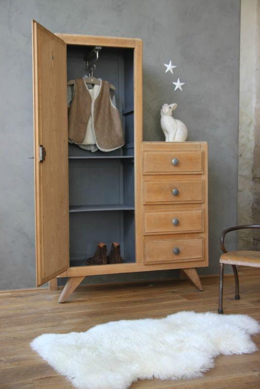 armoire r tro petite belette meuble vintage vintage meuble vintage vintage furniture. Black Bedroom Furniture Sets. Home Design Ideas