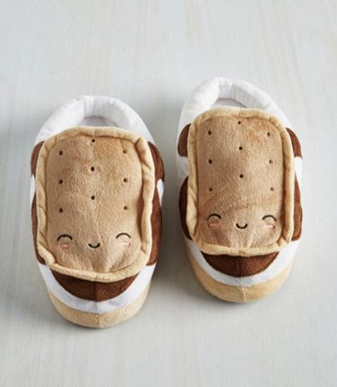 A ridiculously cute set of USB-powered warming slippers.