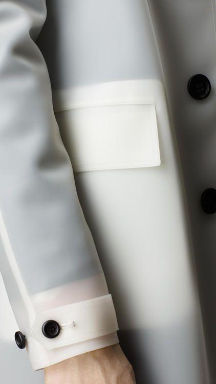 Burberry Prorsum - Translucent Rubber Jacket - Détail - Homme - Veste