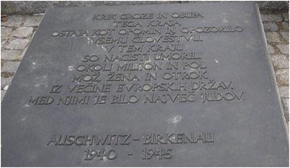 1,5 milijona žrtev Auschwitz 90 % Židov. Od tega je umrlo 2346 Slovencev, katerih je največ prišlo v Auschwitz v obdobju od leta 1943-45. Večina slovenskih žrtev Auschwitza je prišlo na podlagi priporočila ali celo aretacije s strani domobrancev, ki so bile uradne pomožne policijske SS enote.