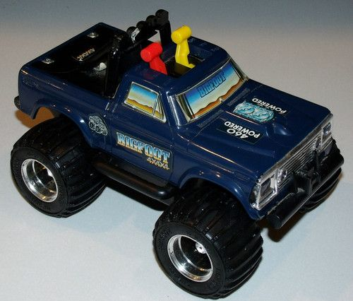 vintage bigfoot monster truck by playskool 1982 battery. Black Bedroom Furniture Sets. Home Design Ideas