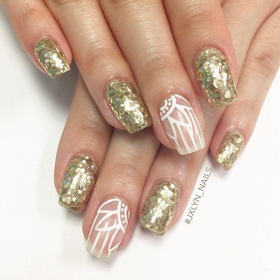 #nails #nailart #nailporn #gelmani #gelnails #naturalnails #glittergel #glitternails #looseglitter #floralnails #negativespace #Jxlyn_Nails #VegasNails #Vegas
