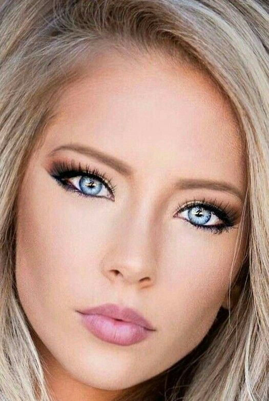 The Most Beautiful Woman In The World The Famous Amanda Taylor