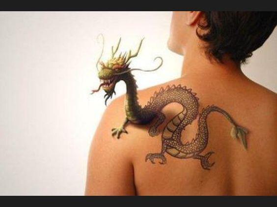 Los mejores tatuajes del mundo que sobresalen del cuerpo - Los mejores sofas del mundo ...