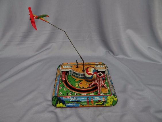 Japanese Old Tin Toy - defective - Unboxed made in JAPAN