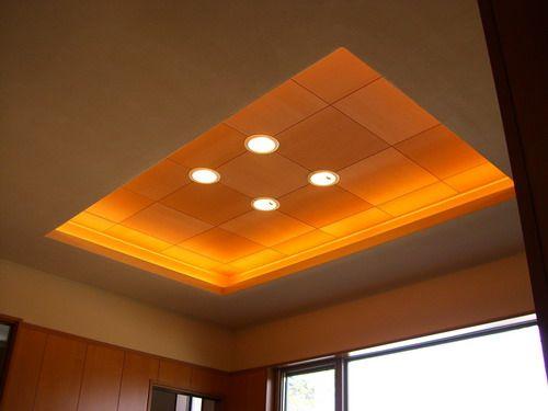 玄関の天井を折り上げ天井とし照明を埋め込みました 折り上げ天井とは 天井の一部を凹ませた天井のことを言います 折り上げ天井内部の周囲の奥 折り上げ天井 寝室 インテリア 照明 天井
