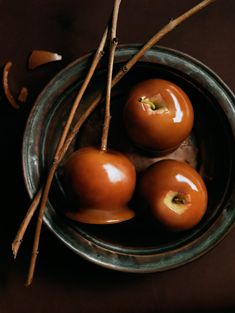 caramel apples: