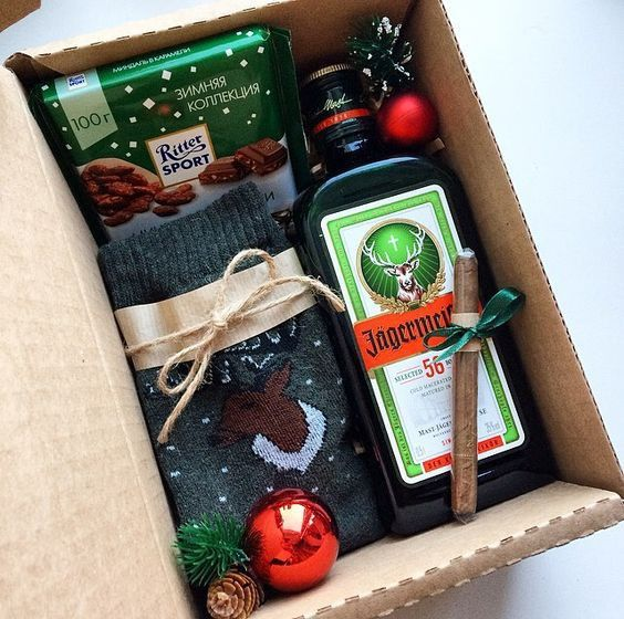 Pin By Karolina K On Giftbox Ideas Christmas Gift Baskets Diy