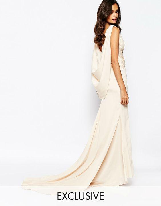 ¡ASOS se suma a las colecciones de novia! La tienda online lanzará a partir de abril de 2016 varios conjuntos para que luzcas uno de sus diseños el día tu boda.  #Modalia | http://www.modalia.es/negocios/tiendas/asos/9320-asos-bridal-collection.html  #bride #wedding #asos #novia
