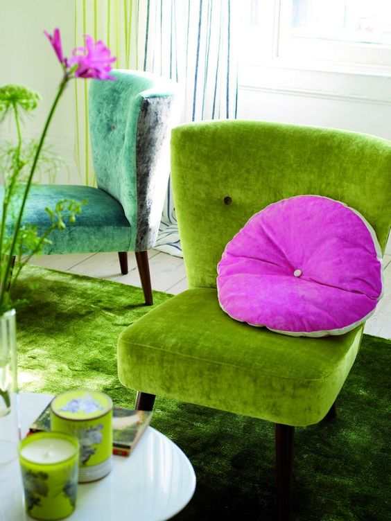 Tricia Guild, Designer´s Guild.... I love this little green chair!: