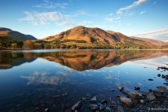 Buttermere Lake, Inglaterra: talvez o mais bonito de todos os lagos do famoso Lake District,...
